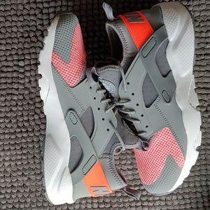 New women's Nike Huarache Ultra